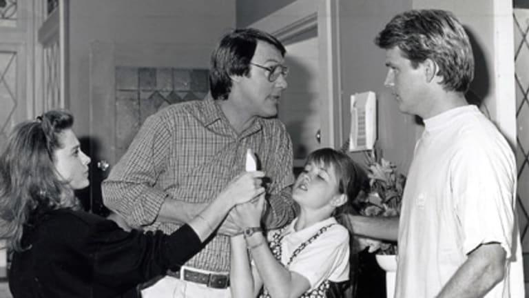 <i>Hey Dad</i> cast Debbie (Simone Buchanan), Martin (Robert Hughes), Jenny (Sarah Monahan) and Simon (Chris Mayer).