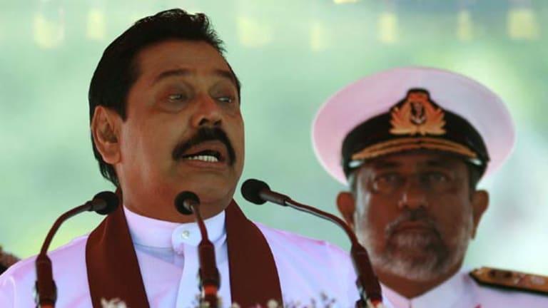 Admiral Samarasinghe (right) with President Rajapaksa.
