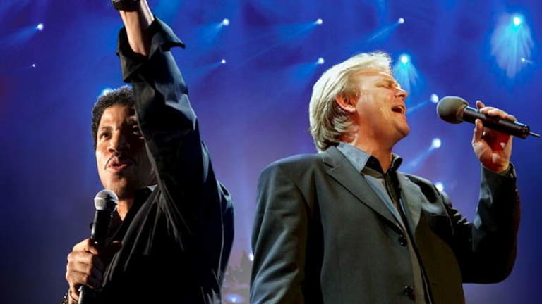 """Lionel Richie and John Farnham """"charmed the pants off"""" Rod Laver Arena."""