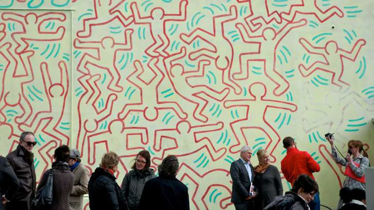 Conservator Antonio Rava and Arts Minister Heidi Victoria at the unveiling of Keith Haring's restored Collingwood mural.
