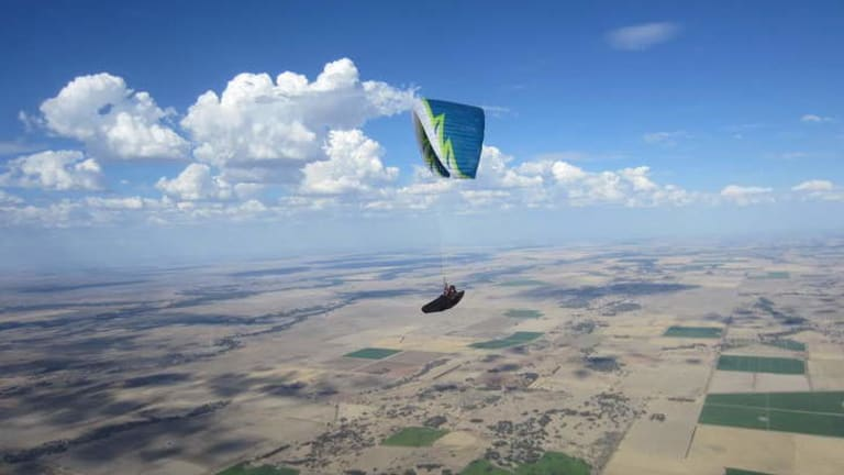 Canberran paraglider is high as a kite and going the record distance