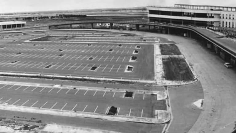 Tullamarine airport under construction in 1969.