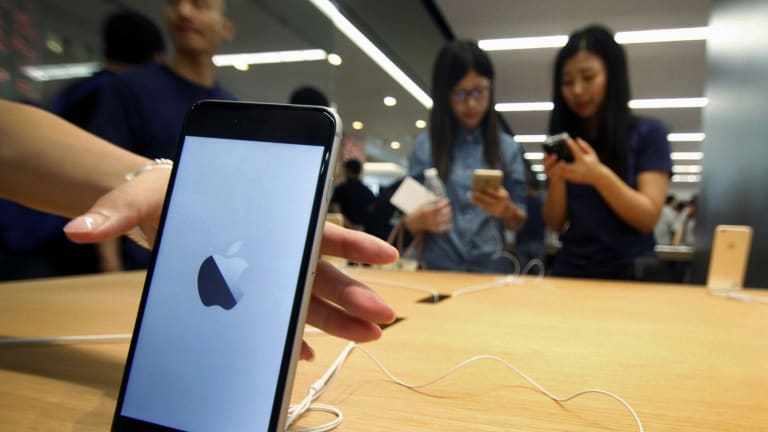 Apple admits it deliberately slows your iPhone down.