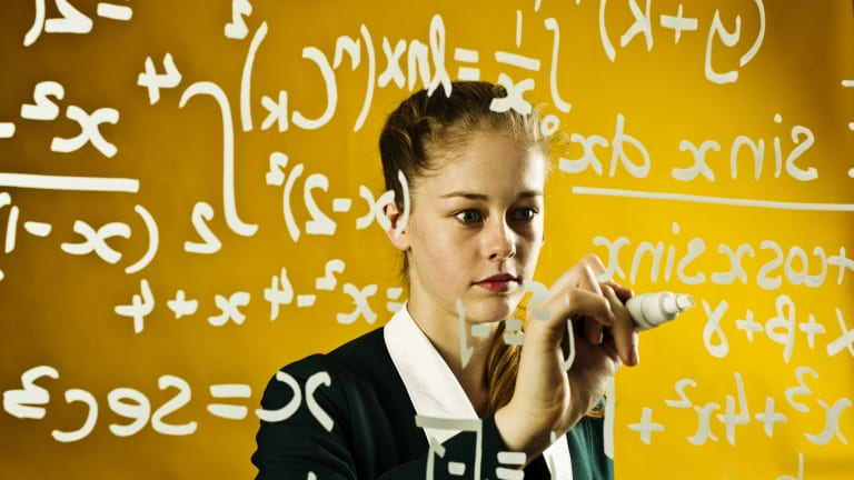 Students need to do the 2 unit maths course to cope with university STEM courses