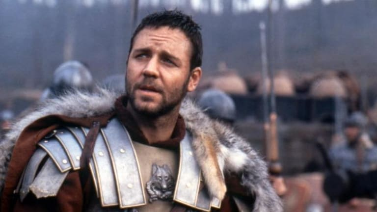 Russ rebuffed ... did being overseas while filming <i>Gladiator</i> cruel Crowe's chances of an Aussie passport?