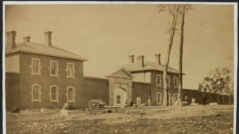Bendigo Jail, in 1861, when construction of the facility was still under way.