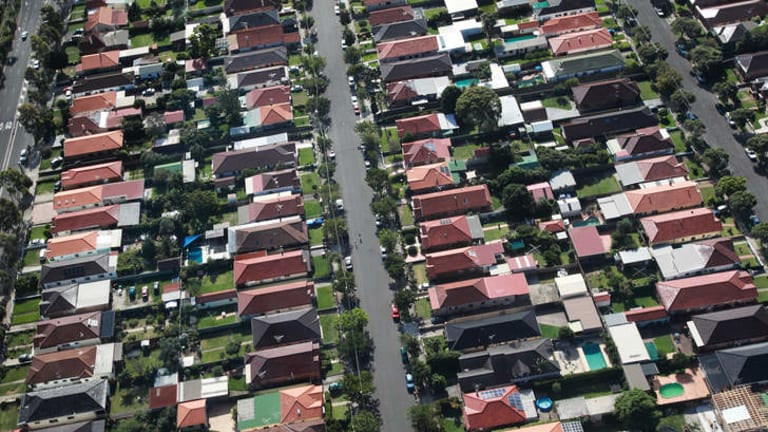 """""""We shouldn't be rushing to reach for the bubble terminology."""" : RBA assistant governor Malcolm Edey says rising house prices need to be kept in perspective."""