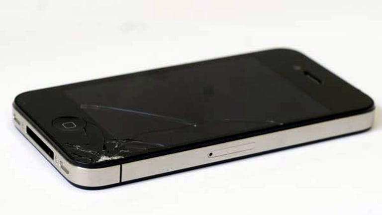 Steve Sing's cracked iPhone 4.