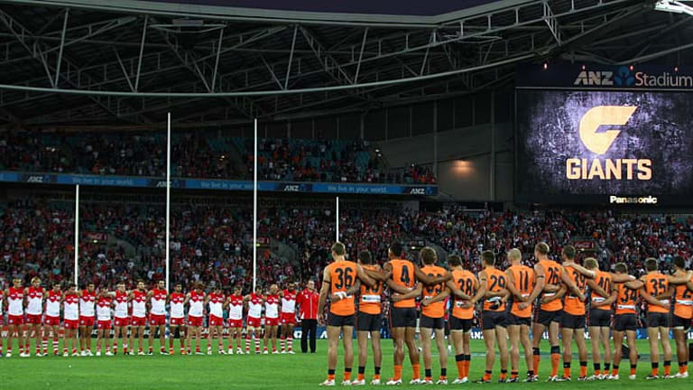 Jim Stynes remembered: The Giants and Swans observe a minute's silence in honour of the Melbourne great.