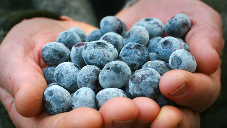 Berry healthy ... but they won't melt your fat away.