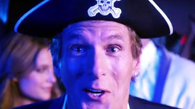 Michael Bolton appeared on a boat dressed head to toe in pirate gear, complete with Jack Sparrow's signature red bandanna, heavy eyeliner and goatee.