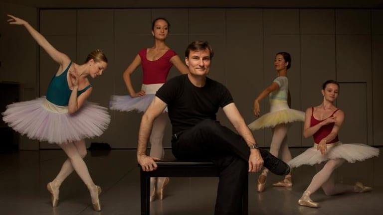 David McAllister with members of the Australian Ballet.