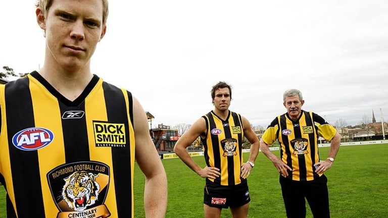 Neville Crowe, right, pictured with Tigers Jack Riewoldt and Matthew Richardson in 2008.