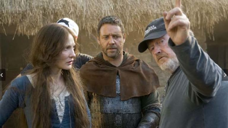 On set ... Cate Blanchett, Russell Crowe and Ridley Scott.