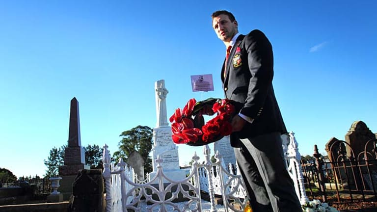 Tragedy: Sam Warburton visits Seddon's grave.