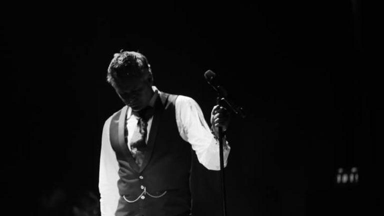 Paul McDermott,  Enlighten performer.