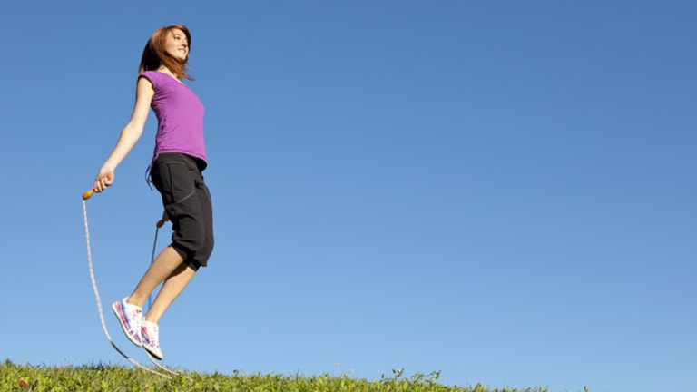 Fifteen minutes of skipping or interval training is more efficient than running on a treadmill for one hour.