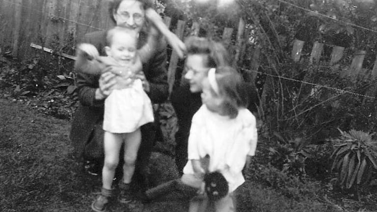 Elizabeth with Sarah and Joyce with Susan, in a photo found by Swingler.