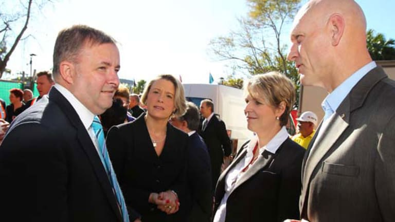 Federal minister Anthony Albanese, Premier of NSW Kristina Keneally, member for Sydney Tanya Plibersek and federal minister Peter Garrett. <Picture: Simon Alekna</i>