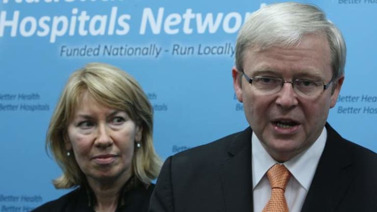 Former Labor MP Maxine McKew has turned on her former mentor Kevin Rudd.
