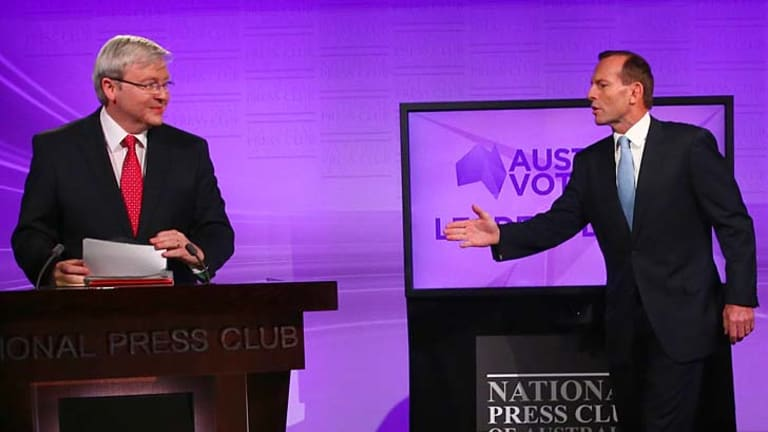 "Despite rules prohibiting the use of ""documentation or props"" Kevin Rudd appeared to reference notes."