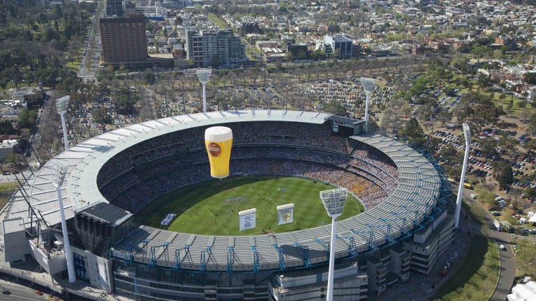 Public health experts have slammed the Australian Communications and Media Authority for failing to close a loophole allowing alcohol and gambling ads to be shown during sporting events.