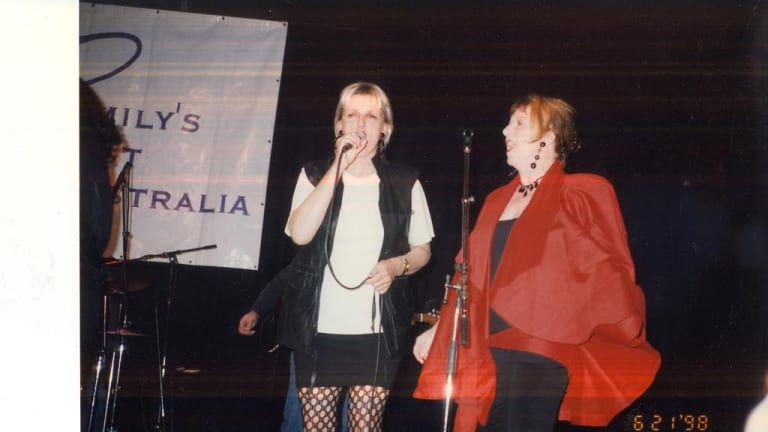 Jane Clifton sings with Joan Jetts and the Fishnets in 1998 at the Regent Theatre as part of Joan Kirner's 60th birthday celebrations