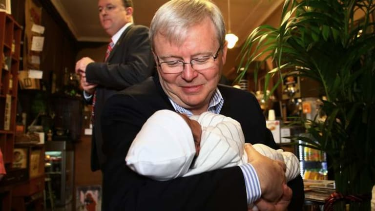 Prime Minister Kevin Rudd at a cafe in Toongabbie in the ultra-marginal electorate of Greenway.