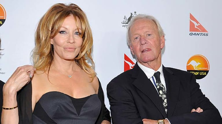 <em>Crocodile Dundee</em> actors: Linda Kozlowski and  Paul Hogan.