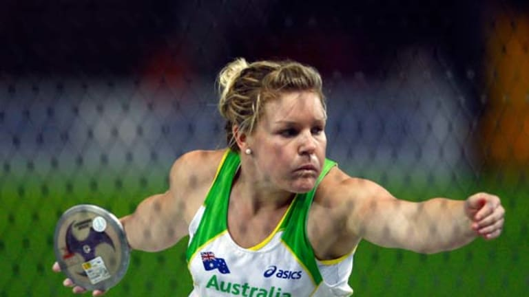 Australian discus thrower Dani Samuels withdraws from the Australian Commonwealth Games.