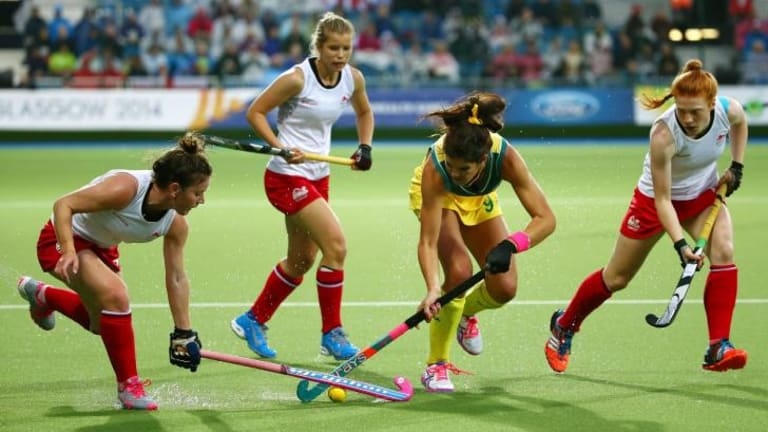 Anna Flanagan takes on the England defence in the final.