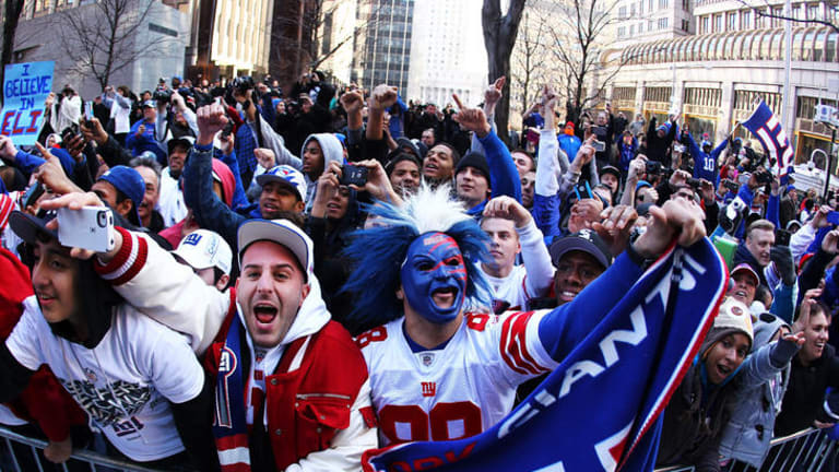 Giants Get Hero S Welcome After Super Bowl Glory