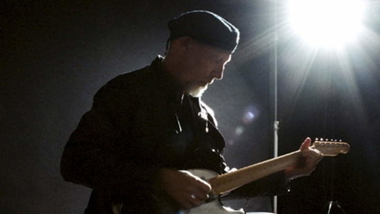 No Dylanesque sellout ... Richard Thompson makes his guitar's electrons sing.