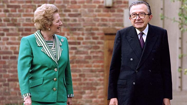Giulio Andreotti meeting with then British Prime minister Margaret Thatcher in 1990