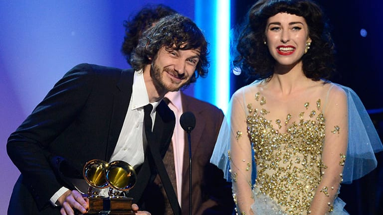 Gotye and Kimbra accept the Grammy for best pop duo/group performance.