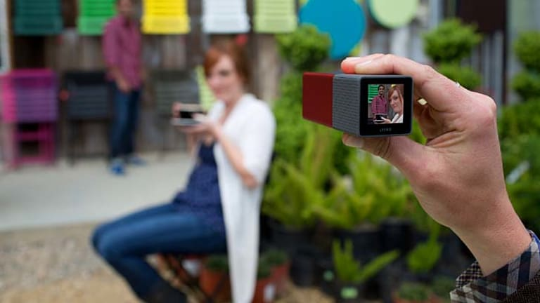 Photos taken with the Lytro can be refocused by tapping the touchscreen on the device or clicking on the image on a computer.