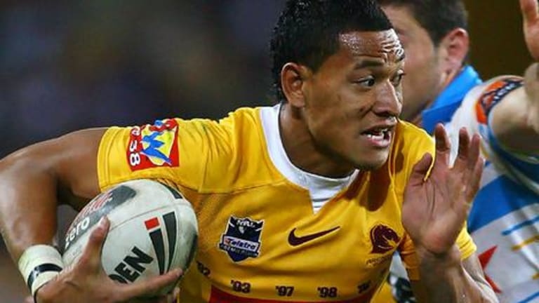 NRL poster boy Israel Folau has signed with AFL expansion club Greater Western Sydney.