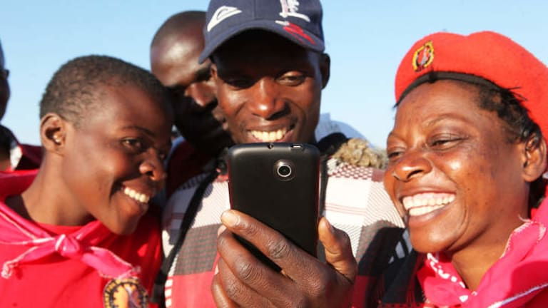 Zimbabweans enjoy accessing the internet to read about Baba Jukwa in Harare. Baba Jukwa's name is whispered in buses, bars and on street corners by Zimbabweans eager for the inside scoop on President Robert Mugabe's ruling party.