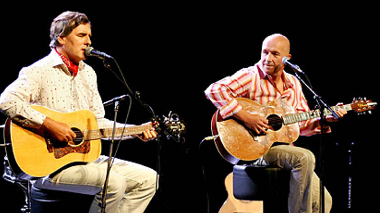 Go Between Bridge ... Robert Forster and the late Grant McLennan perform.