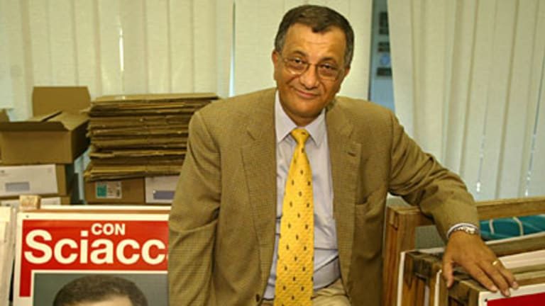 Con Sciacca during his re-election campaign in 2004.