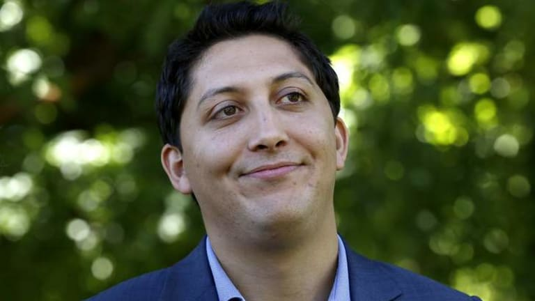 Greens candidate ... Simon Sheikh says it is an oversight there are still apparent links to GetUp!