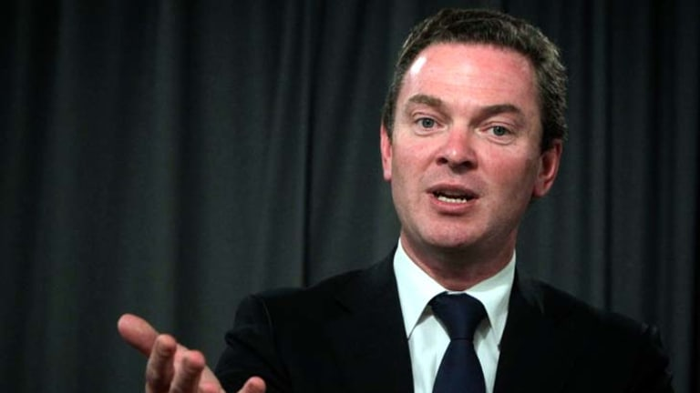 """""""If this is not complied with, this Parliament will become completely and utterly unworkable"""" ... Christopher Pyne."""
