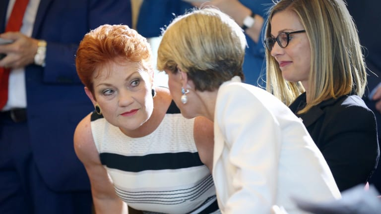 Pauline Hanson confers with senior WA Liberal and Foreign Affairs Minister Julie Bishop.