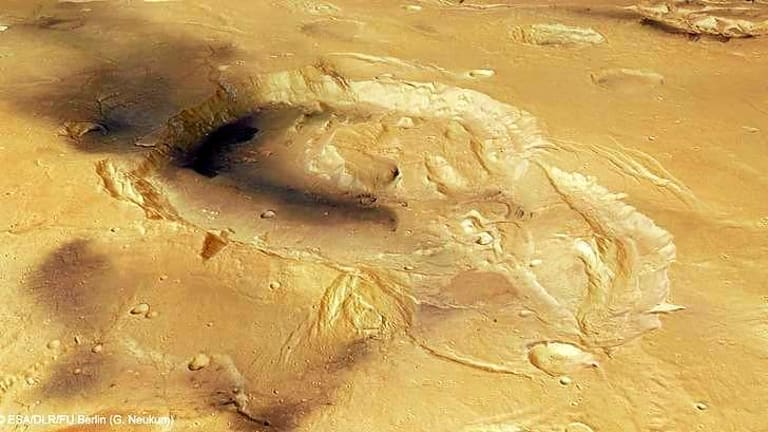 Eden Patera: In a <i>Nature</i> article scientists report the discovery of super-volcanoes on Mars, of which Eden Patera is the most likely candidate. This colour image with a resolution of 35 meters per pixel was taken on Mars Express in orbit 1498.
