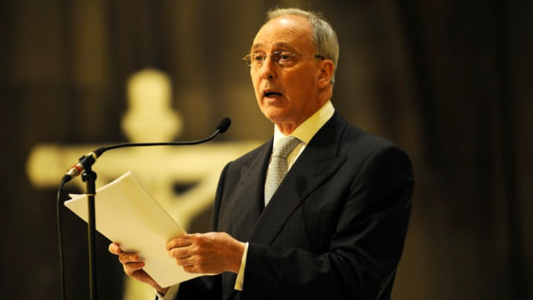 Former prime minister Paul Keating delivers an impassioned eulogy yesterday for his old friend, classical pianist Geoffrey Tozer.