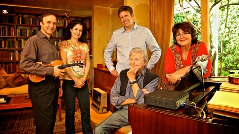 Peter Sculthorpe at his Woollahra home with members of the Goldner String Quartet in 2012.