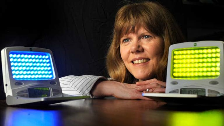 Jennie Ponsford is having success using light therapy to treat fatigued sufferers of brain injury.