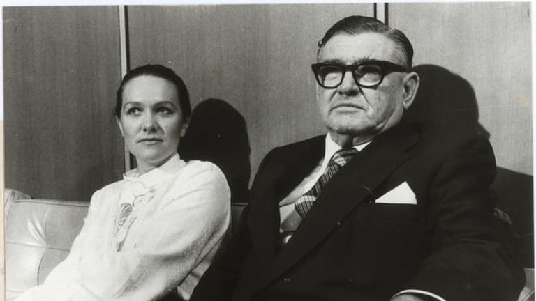 """In his shadow ? Gina Rinehart with her """"nearly perfect"""" father, Lang Hancock, in 1982."""