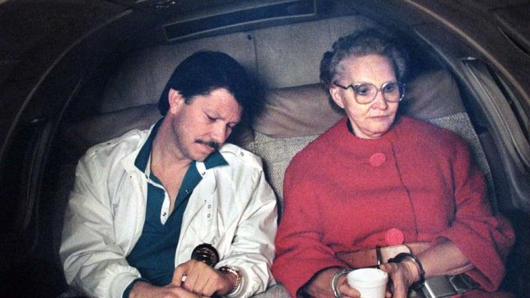 Dorothea  Puente  in 1988 with homicide detective John Cabrera.