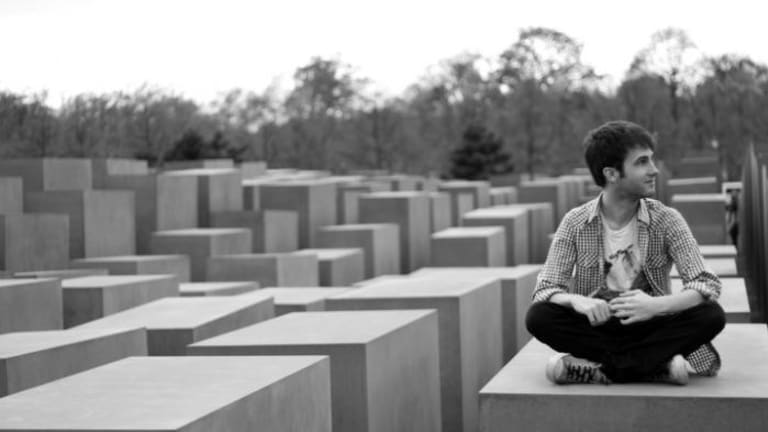 grindr holocaust